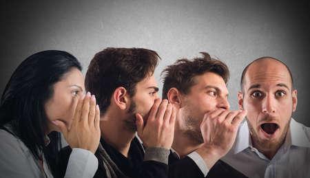 Photo pour Word of mouth of secret between people - image libre de droit
