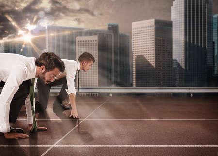Foto de Business men competing in a race track - Imagen libre de derechos