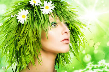 Foto per Girl with grass hair and green makeup - Immagine Royalty Free