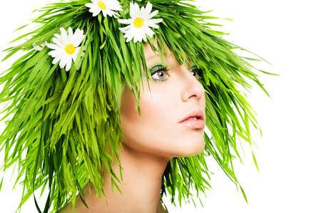Foto de Girl with grass hair and green makeup - Imagen libre de derechos