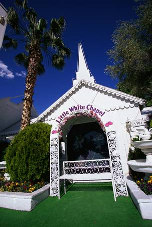 This is the Little White Wedding Chapel where people can get married quickly in Las Vegas.
