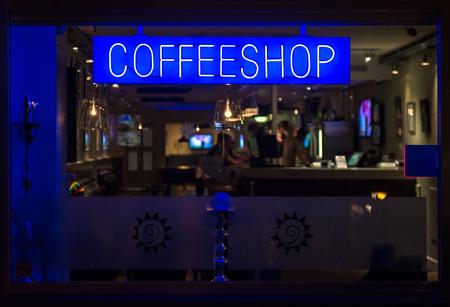 Photo pour Coffeeshop neon signboard at night. Eindhoven, Netherlands - image libre de droit