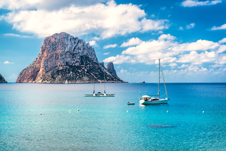Foto de Picturesque view of the mysterious island of Es Vedra. Ibiza, Balearic Islands. Spain - Imagen libre de derechos