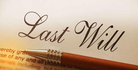 Photo pour Last will words lettering and pen. Legacy concept - image libre de droit