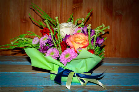 Foto de Beautiful Bouquet of Red White Roses and Purple Chrysanthemums - Imagen libre de derechos
