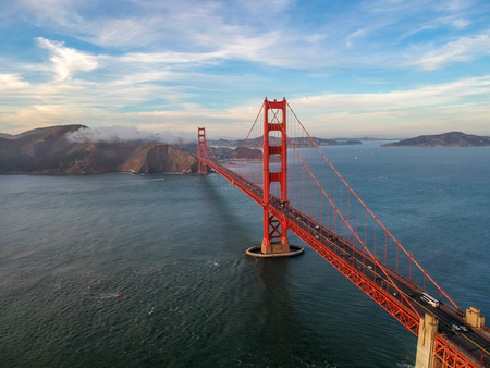 Foto de Aerial view of Golden Gate bridge in San Francisco - Imagen libre de derechos
