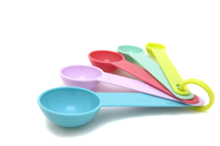 Photo pour Colorful measuring spoons - image libre de droit