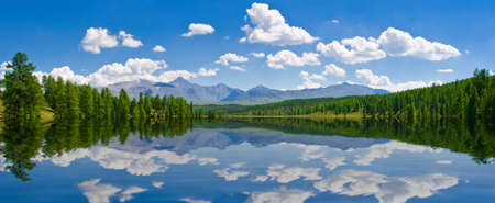 Photo pour Panorama of lake, Altai, Russia - image libre de droit
