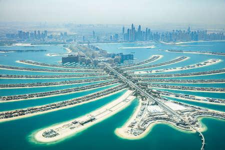 Photo pour An Artificial Jumeirah Palm Island On Sea, Dubai, United Arab Emirates - image libre de droit