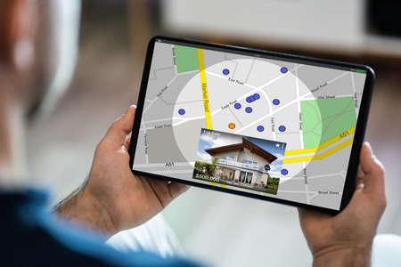Photo pour Searching Real Estate House Or Apartment Online - image libre de droit