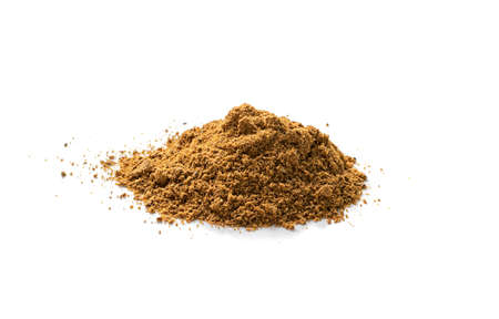 Photo pour Pile of garam masala powder mix isolated. Ground spice mixes and blended herbs with fennel powder, ground peppercorns, cloves, cinnamon, mace, cardamom, curry, cumin, coriander - image libre de droit