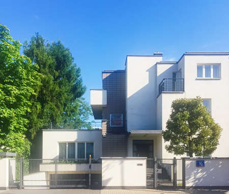 Photo pour Warsaw, Poland circa May, 2020: Private residential house in historical neighborhood - image libre de droit