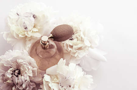 Foto für Retro fragrance bottle as luxury perfume product on background of peony flowers, parfum ad and beauty branding design - Lizenzfreies Bild