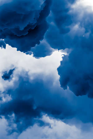Photo pour Minimalistic blue cloudy background as abstract backdrop, minimal design and artistic splashes - image libre de droit