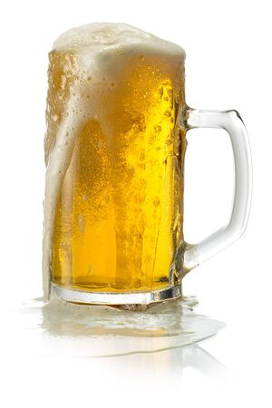 Photo pour Glass of blonde beer with foam isolated on white - image libre de droit