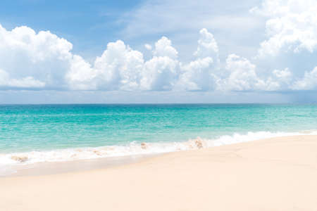 Photo pour Tropical nature clean beach and white sand in summer season with sun light blue sky background. - image libre de droit