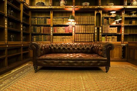 Foto de Library leather sofa book design room old library - Imagen libre de derechos
