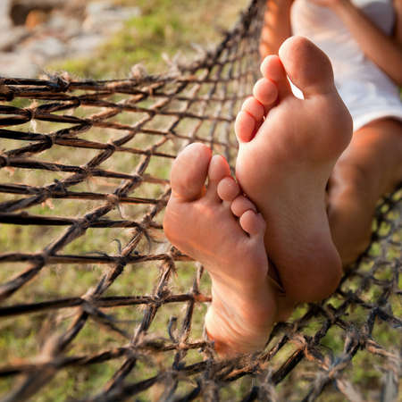 Photo pour relax in hammock, lazy vacations - image libre de droit