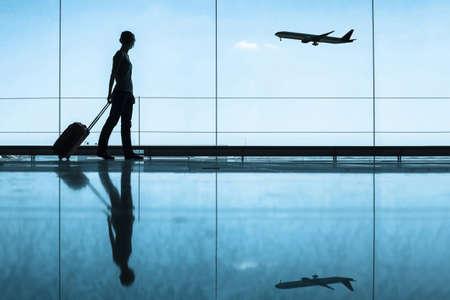 Photo pour travel concept, people in the airport - image libre de droit