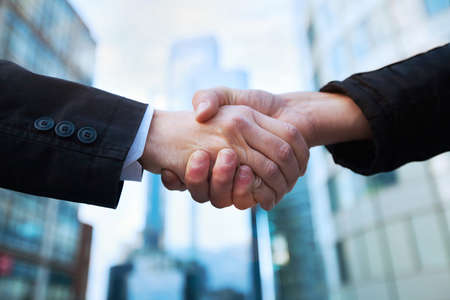 Photo pour handshake - image libre de droit