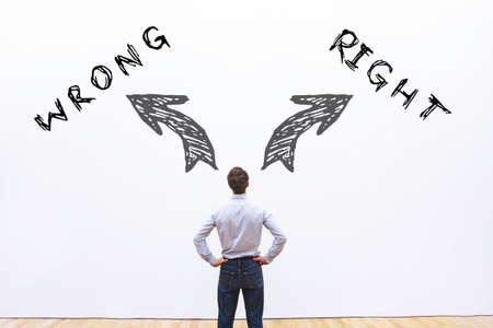 Foto de right wrong concept - Imagen libre de derechos