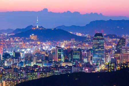 Foto für Seoul city skyline and skyscraper in downtown seoul, South Korea. - Lizenzfreies Bild