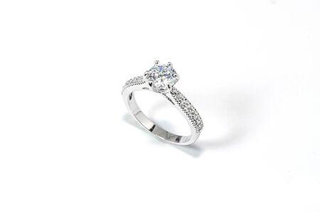 Photo pour Jewelry Diamond Ring on the white background. - image libre de droit