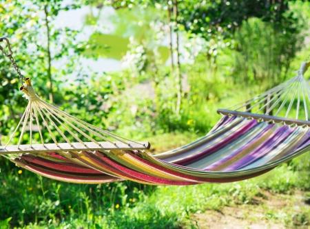 Photo pour hammock in a garden - image libre de droit