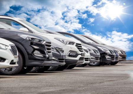 Foto de Cars For Sale Stock Lot Row. Car Dealer Inventory - Imagen libre de derechos