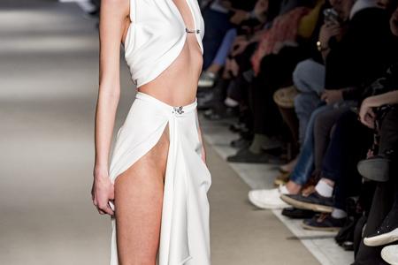Foto per female model posing during catwalk - Immagine Royalty Free