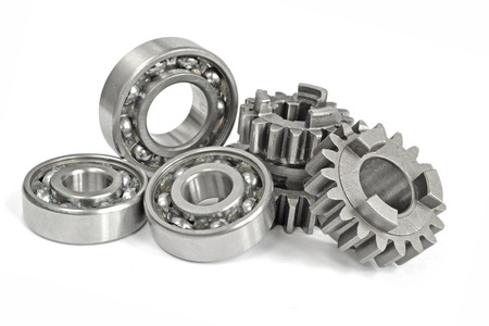 Photo pour Gears and bearings on the white background. - image libre de droit