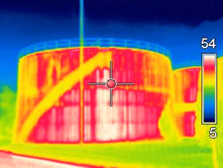 Thermogaphic image of a oil tank