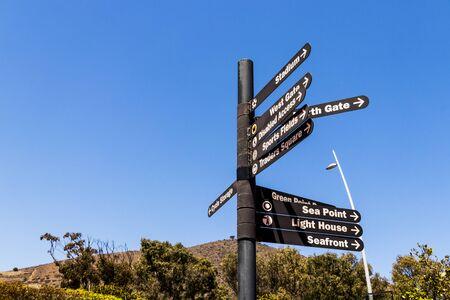 Photo pour Street signs signpost in Cape Town towards Sea Point Green Point Park Light House Sea Front North Gate. - image libre de droit