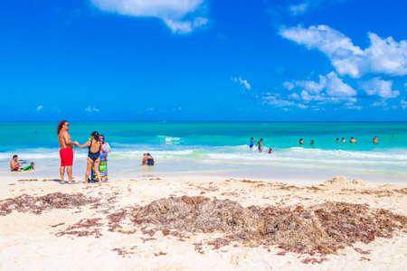 Photo pour Tropical mexican beach 88 Punta Esmeralda in Playa del Carmen Mexico. - image libre de droit