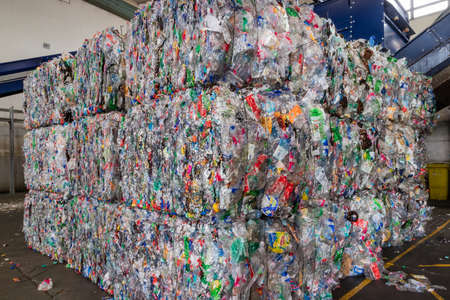 Foto de Plastics recycling centers and its raw material as collection, preparation and transformation - Imagen libre de derechos