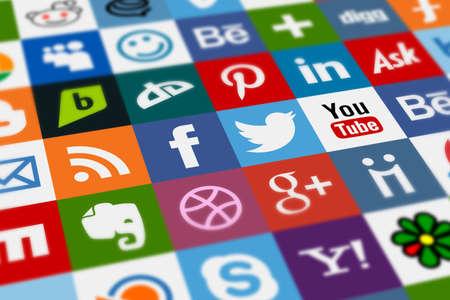 Photo pour Social media icons arranged all together - image libre de droit