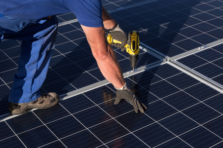 Photo pour Mount solar panel - image libre de droit