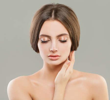 Photo pour Young woman with clear healthy skin portrait - image libre de droit