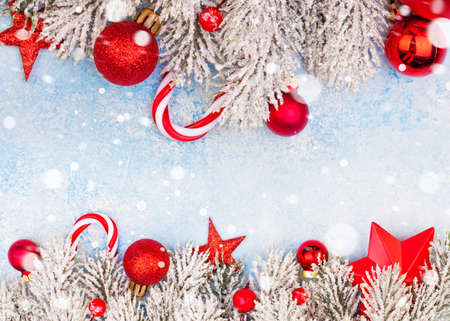 Photo pour Colorful Christmas card background with copy space with snow - image libre de droit