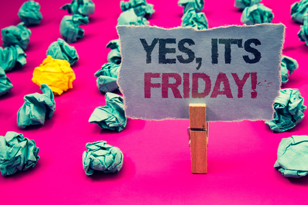 Photo pour Writing note showing Yes, It'S Friday Motivational Call. Business photo showcasing having weekend Taking rest break Emerald paper balls yellow lump rosy floor paperclip retain grey page - image libre de droit