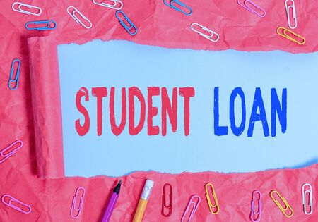 Photo pour Text sign showing Student Loan. Business photo showcasing financial assistance designed to help students pay for school - image libre de droit