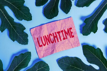 Word writing text Lunchtime. Business photo showcasing Meal in the middle of the day after breakfast and before dinner