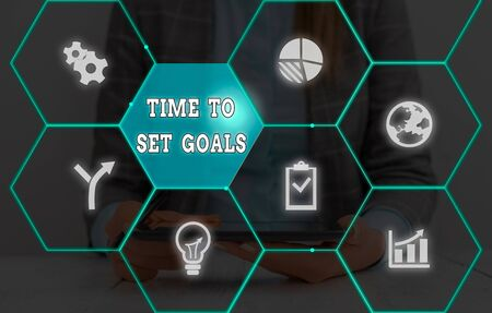 Photo pour Writing note showing Time To Set Goals. Business concept for Desired Objective Wanted to accomplish in the future - image libre de droit