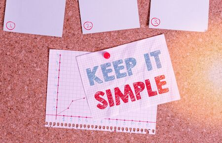 Photo pour Writing note showing Keep It Simple. Business concept for ask something easy understand not go into too much detail Corkboard size paper thumbtack sheet billboard notice board - image libre de droit