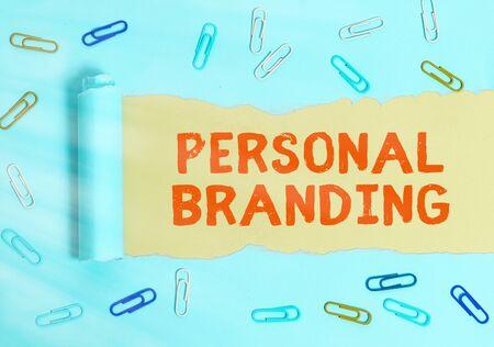 Photo pour Handwriting text Personal Branding. Conceptual photo Practice of People Marketing themselves Image as Brands - image libre de droit