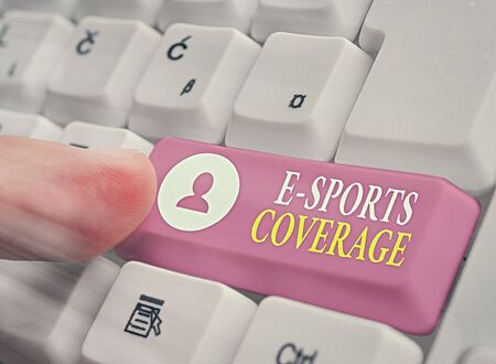 Foto per Writing note showing E Sports Coverage. Business concept for Reporting live on latest sports competition Broadcasting - Immagine Royalty Free
