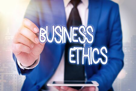 Foto de Word writing text Business Ethics. Business photo showcasing appropriate policies which govern how a business operates - Imagen libre de derechos
