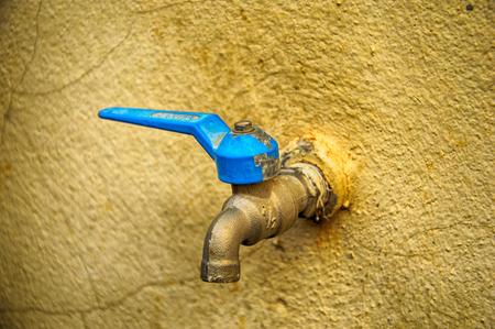 old faucet, High dynamic range color