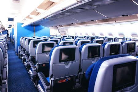 Photo pour Empty airplane seats in the cabin. - image libre de droit