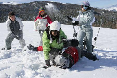 Photo pour Fighting in the snow - image libre de droit